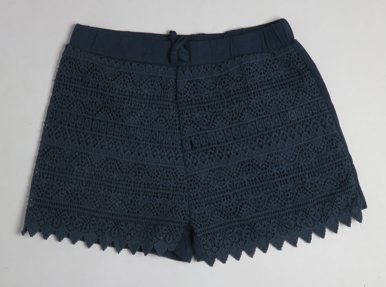 Girls Knit Hot Shorts With Crochet Trims